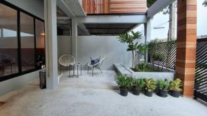 เช่าทาวน์เฮ้าส์/ทาวน์โฮมสุขุมวิท อโศก ทองหล่อ : For Rent loft townhome 2 storeys in sukhumvit between 39 & 49.