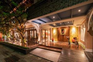 เช่าพื้นที่ขายของนานา : ให้เช่า ห้องอาหารใต้โรงแรม สุขุมวิทซอย 8 @BTS นานา