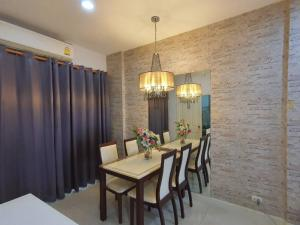 For SaleTownhouseLadprao101, The Mall Bang Kapi : 3-storey townhome for sale, Baan Klang Muang, Ladprao 101, in Khlong Chan, Bang Kapi, near the yellow line train, beautiful house ready to move in.
