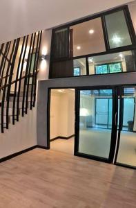For RentTownhouseSukhumvit, Asoke, Thonglor : Townhome for rent in Soi Sukhumvit 41 near BTS Phrom Phong.