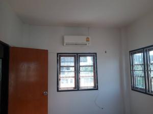 For RentHouseChiang Mai, Chiang Rai : House for rent in Kwan Wiang village. Chiang Mai Province