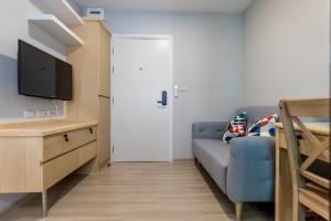 For RentCondoChengwatana, Muangthong : 🎉 Beautiful room for rent, Plum Condo, Mix Condo, Chaengwattana, Building A, Phase 4 💥 with washing machine