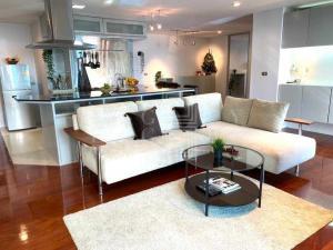For RentCondoSilom, Saladaeng, Bangrak : For Rent Silom Terrace (149 sqm.)