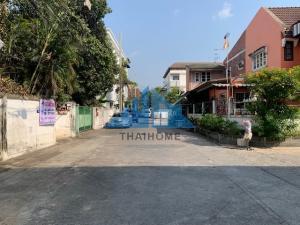 For SaleHouseKasetsart, Ratchayothin : Single-storey house, 147 sq m., Corner plot, Soi Phahonyothin 63, good location, cheap sale