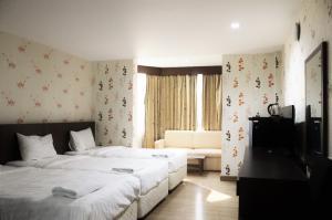 For RentBusinesses for saleNana, North Nana,Sukhumvit13, Soi Nana : Quick rental business Apartment / Hotel / Soi Nana long term near Hospital and BTS Nana and Ploenchit cheap price