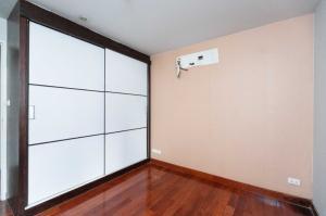 ขายคอนโดนานา : For Sale คอนโด Urbana Sukhumvit 15 ฟรีเครื่องใช้ไฟฟ้ารวมมูลค่ากว่า 30,000 บาท