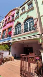 For SaleTownhouseSukhumvit, Asoke, Thonglor : Urgent sale, very cheap, 3-storey townhouse, Baan Klang Muang Lucerne, Sukhumvit 77, On Nut 46, 27 sq m, 3 bedrooms, 4 bathrooms, Srinakarin, Suan Luang, contact Pansiri 0823379784