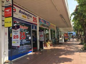 For LongleaseRetailKorat KhaoYai Pak Chong : Lease shop C plus located in PTT gas station. LPG Hua Thale Don Kwang
