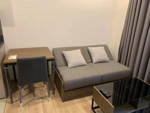 For RentCondoSukhumvit, Asoke, Thonglor : Condo for rent, OKA HAUS Sukhumvit 36, next to Rama 4 Road, new condo, ready to move in.