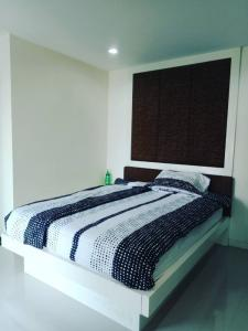 For RentCondoBangna, Lasalle, Bearing : Condo for rent  Sense of London    fully furnished (Confirm again when visit). Size 29 SQM.  studio room1 bath.
