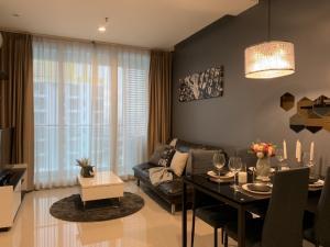 For RentCondoRama9, RCA, Petchaburi : Urgent Rent ++ Condo TC Green ++ High Floor ++ Good Decor ++ Rama9 ++ MRT 🚅🚅 Price Reduced to 13000 👍👍