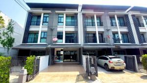 For SaleTownhouseRathburana, Suksawat : 3-storey townhome for sale, Baan Klang Muang Village Rama 2 - Phutthabucha (Built-in decoration)