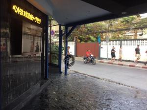 For RentRetailSukhumvit, Asoke, Thonglor : Renting space Close to Phrom Phong BTS station, Sukhumvit Soi 33