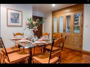 For RentCondoSathorn, Narathiwat : Urgent Rent ++ Spacious 3 Bedroom ++ Near Bts Saladeng ++ Near MRT Lumpini ++ Reduced Rent @ 40000 🔥