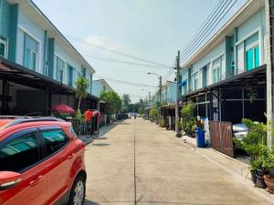 For SaleTownhouseRama5, Ratchapruek, Bangkruai : For sale Gusto Ring Road - Rama 5 Townhome 2 floors 18. 5 sq. Wa, contact Thi 095-282-6146
