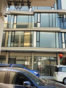 ขายตึกแถว อาคารพาณิชย์อ่อนนุช อุดมสุข : ขาย อาคารพาณิชย์ 4 ชั้น 2 คูหาติดกัน เดอะ มาสเตอร์ รีเฟล็กซ์ชั่น แอท บีทีเอส อ่อนนุช ติดต่อ โบ้ 061-787-9919