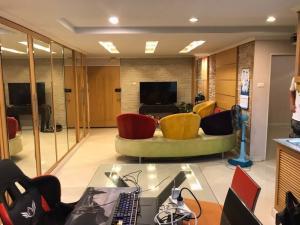 For RentCondoRatchadapisek, Huaikwang, Suttisan : FOR Rent Sriwara Mansion 2 Unit 238/98