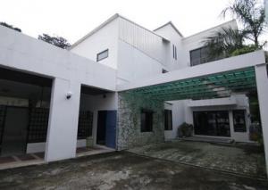 For RentHouseSukhumvit, Asoke, Thonglor : 2 storey detached house for rent in Ekamai area