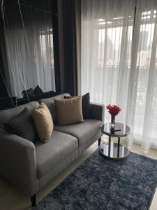 For RentCondoSathorn, Narathiwat : 1 bedroom for rent (real room picture) Condo Knightsbridge Prime Sathorn in the heart of Sathorn near BTS Chong Nonsi Sathorn-Narathiwat Intersection, Empire Tower, Bangkok Christian College