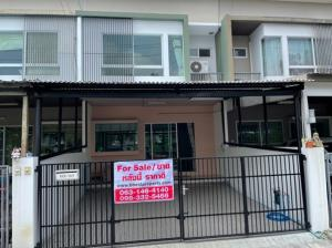 For SaleTownhouseRathburana, Suksawat : For Sale 2-storey townhome for sale, Indy village 1, Soi Pracha Uthit 90, opposite Sarasas Pracha Uthit School, beautiful house, renovated, 3 air conditioners, completely renovated, connected to the kitchen, connected to the roof, parking