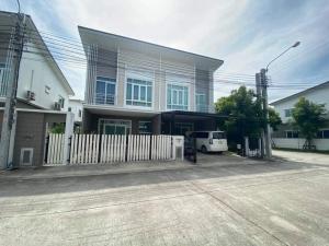 For RentHouseLadkrabang, Suwannaphum Airport : House for rent / sale at Q district Casa city project, King Kaew - Suvarnabhumi. 2-storey corner twin house