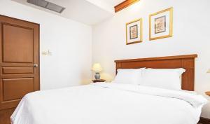 เช่าคอนโดวิทยุ ชิดลม หลังสวน : Grand Langsuan For Rent 2 Beds 2 Baths 100 SQ.M 55,000 Baht/ Month