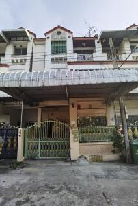 For RentTownhouseWongwianyai, Charoennakor : Townhouse for rent, Soi Taksin 41, Taksin Road, 23 sq m. 4 bedrooms, 4 bathrooms, 2 car parks.