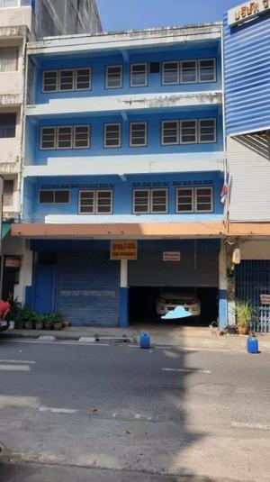 For SaleShophousePattaya, Bangsaen, Chonburi : Commercial building for sale, 2 booths through Kan, Surasak 1 Road, near Robinson Sriracha.