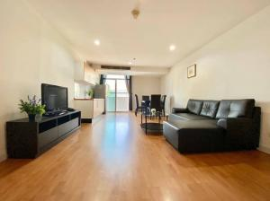 For RentCondoSukhumvit, Asoke, Thonglor : 2879-A😊 For RENT 2 bedroom for rent 🚄 near BTS Phromphong The Capital Sukhumvit 30/1 The Capital Sukhumvit 30 / 1🔔 Area: 92.00 sq.m. 💲 Rent: 27,000 ฿ 📞O86-454O477, O99-5919653✅LineID: @sureresidence
