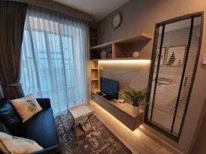 เช่าคอนโดอ่อนนุช อุดมสุข : ให้เช่า Ideo Mobi Sukhumvit 81 1 ห้องนอน ตกแต่งสวย 15,000 สนใจชมห้องติดต่อ 0992429293