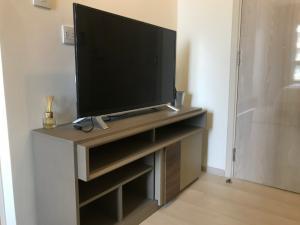 For RentCondoRama9, RCA, Petchaburi : Condo Life Asoke Condo Life Asoke 1 Bedroom Hot price