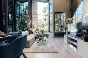 Sale DownCondoOnnut, Udomsuk : Sale down payment ** Owner post ** Knightsbridge Space Sukhumvit - Rama 4 VVIP round price, high floor, Chao Phraya River view, rare room (combine plan), larger than the penthouse in the project !!