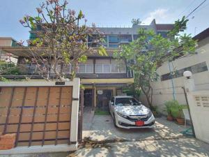 For RentHouseSukhumvit, Asoke, Thonglor : HR234 For rent, a single house, area 100 sq m. Soi Sukhumvit 61, just 400 meters from BTS Ekamai.