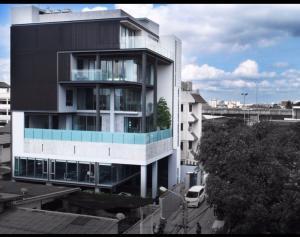 For SaleHouseBang Sue, Wong Sawang, Tao Pun : 7-storey house for sale, house for sale 99 square meters, 7 floors, Soi Ratchadaphisek 33 Soi Ratchadaphisek 31 Intersection 2, usable area 1,245 square meters