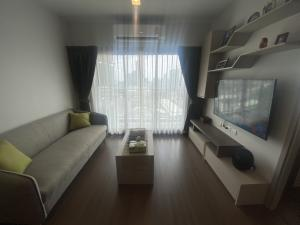 For RentCondoOnnut, Udomsuk : For rent Ideo Sukhumvit 93 2 bedrooms, large size, special price 30,000 / month. Interested in viewing the project, please contact 0992429293.