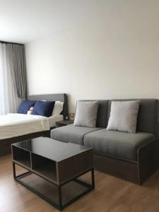 For RentCondoPinklao, Charansanitwong : SN376 Reduced price, new room, quick rent !!! Dcondo Tann Charan, the price is only 8000. Negotiate, can you say hello.