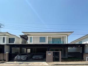 ขายบ้านพัฒนาการ ศรีนครินทร์ : H358-ขายบ้านเดี่ยว 2 ชั้น เดอะ แพลนท์ เอสทีค พัฒนาการ เดินทางสะดวก พร้อมเข้าอยู่