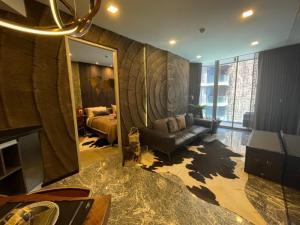 ขายคอนโดสุขุมวิท อโศก ทองหล่อ : ลดกระหน่ำ ห้องโครงการ 2 ห้องนอน 2 ห้องน้ำ 68.26 ตรม. ASHTON Residence 41 คอนโด Pet Friendly ใกล้ BTS พร้อมพงษ์