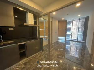 For SaleCondoSukhumvit, Asoke, Thonglor : Luxury condo‼️pet friendly, 2 bedrooms, 2 bathrooms, new unit, in the heart of Sukhumvit With auto parking 200%, Near BTS Phrom Phong contact 0946949544.