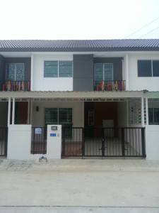 For RentHouseSamrong, Samut Prakan : Townhome for rent on Phraeksa road.