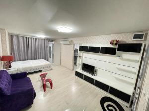 เช่าคอนโดท่าพระ ตลาดพลู : Aspire Wuthakart > ห้องสวย มีสไตล เฟอนิเจ้อครบ ใกล้btsวุฒากาศ เพียง 9,000