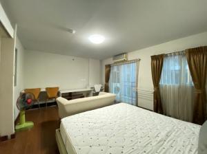 For SaleCondoOnnut, Udomsuk : For sale, The Escape Sukhumvit 101/1, 4th floor, Building B, size 33 sq m, garden view.