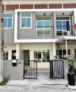 For RentTownhouseRamkhamhaeng,Min Buri, Romklao : 2-storey townhome for rent The new house just bought and has furniture ready.
