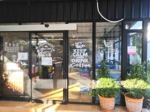 For RentShophouseNawamin, Ramindra : For rent, Cafe shop, very good location, Sai Mai Bangkok