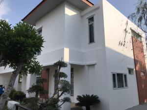 For SaleHousePattaya, Bangsaen, Chonburi : Selling : House with Full Furnisher close to the beach in Sriracha , 113 sqw , 330 sqm , 2 Bed 1 Bath , 2 Parking lot