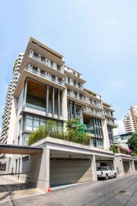 For SaleHouseNana, North Nana,Sukhumvit13, Soi Nana : Code C3902 Luxury townhome for sale, 6 floors including rooftop, Sukhumvit Road.