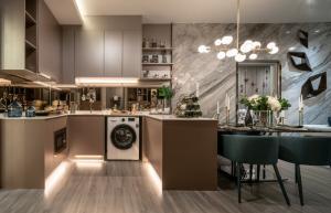 For SaleCondoOnnut, Udomsuk : Urgent !!! The last room, 2 bedrooms, 2 bathrooms, 7.99 Mb., Better price, no more sq m. 12x, xxx Ideo Sukhumvit-Rama 4 contact 094-4249563
