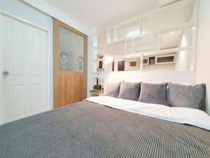 For SaleCondoOnnut, Udomsuk : (Urgent sale) The log 3 Sukhumvit 101/1, 3rd floor, room size 28 sqm, 1 bedroom, 1 bathroom, price 1,350,000 baht