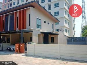 For SaleTownhousePattaya, Bangsaen, Chonburi : Sell townhome behind the corner. Maneerin Village, Sukprayun, Chonburi