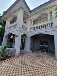 ขายบ้านบางใหญ่ บางบัวทอง ไทรน้อย : ทำเลดีขายด่วน บ้านเดี่ยว 2 ชั้น 54 ตร.ว 4 นอน 2 น้ำ ราคาขาย 3.5 ล.ย่านบางบัวทอง